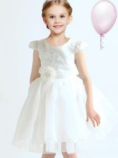 White Scoop Neckline Appliques and Bowknot and Hand Made Flower Flower Girl Dress Cap Sleeves Zipper