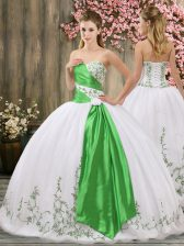 Hot Sale Sleeveless Embroidery and Belt Lace Up Quinceanera Gowns