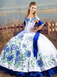 Off The Shoulder Sleeveless Satin and Organza Quinceanera Dresses Embroidery and Ruffles Lace Up
