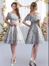 Lace Dama Dress for Quinceanera Grey Zipper Short Sleeves Knee Length