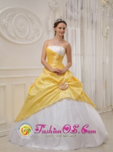 Exquisite Strapless Yellow and White Sweet 16 Quinceanera Dress For Winter in Tlaquepaque Mexico Style QDZY366FOR