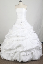 Luxurious Ball Gown Strapless Floor-length White Quinceanera Dress LZ426009