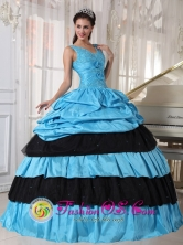 2013 Black and Aqua  Wholesale Spring Quinceanera Dress with straps V-neck Beaded hand flower and ruffle In Luque Paraguay  Style PDZY493FOR