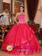 2013 Campinas Brazil Winter Strapless Embroidery Decorate For Gorgeous Quinceanera Dress In Coral Red StyleQDZY541FOR