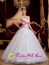 Strapless Wholesale White and Fushcia Princess Quinceanera DressSweetheart Appliques For Sweet 16 Party In Clarines Venezuela Style QDZY114FOR