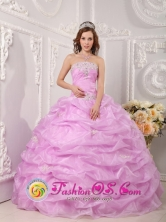 Sullana Peru lavender Organza wholesale Quinceanera Dress Strapless Appliques Layered Pick-ups Ball Gown Style QDZY075FOR